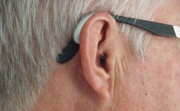 Co trzeba wiedzieć o aparatach słuchowych